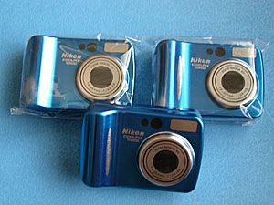 Nikon Coolpix5200型ブリキ缶