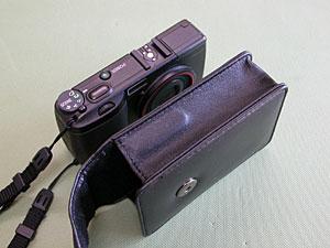 GR DIGITAL専用ケースGC-1、電源ボタンカバー