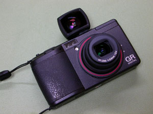 Ricoh GR DIGITAL and Viewfinder GV-1