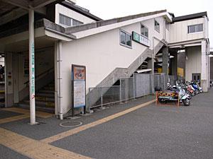 JR東日本 新横浜駅:GR DIGITAL 28mm相当、1/310sec、F3.5、ISO64、-0.3EV、プログラムオート