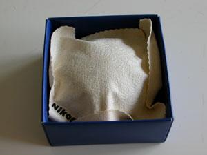 ニッコールレンズ3000万本突破記念オリジナルデスクルーペ箱内部(2001年)
