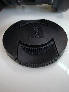 Carl Zeiss Distagon T* 2/28 ZF lens cap
