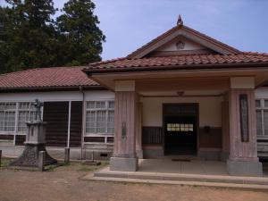 旧福沢小学校:GR DIGITAL、28mm相当、F3.5、1/810sec、ISO64、-0.3EV、プログラムAE
