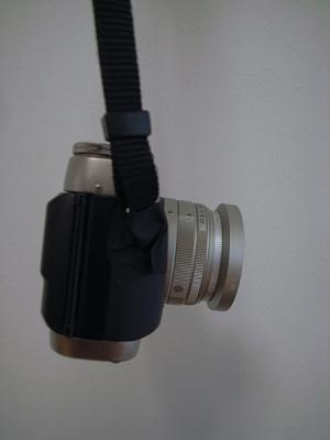 ちょっとした工夫で下を向くCONTAX G1 + Carl Zeiss Biogon T* 28mm F2.8 + GG-1