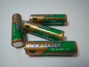 NEW LEADER Zinc-Chloride Battery AA Size (PVC Jacket)