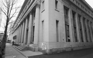 日本郵船歴史博物館(横浜市中区、ヨコハマビオゴンモノクロ計画18):CONTAX G1、Carl Zeiss Biogon T* 21mm F2.8、Kenko L37 Super PRO、F4AE、+2/3段、Kodak 400TX(TRI-X)、Nikon SUPER COOLSCAN 5000 ED(ICEなしGEMなし)