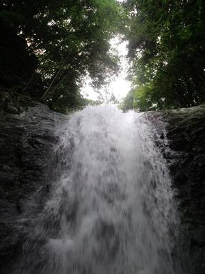 大滝:G'zOne TYPE-X、4.6mm、F2.8、1/60sec、保護シールあり