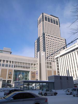 JRタワーホテル日航札幌(2010年1月撮影):GR DIGITAL、28mm相当、F7.1、1/310sec、ISO64、-0.3EV、プログラムAE