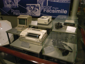 日本新聞博物館(横浜市中区):Ricoh GR DIGITAL、28mm相当、F2.4開放、1/26秒、ISO400、-0.3EV、AWB