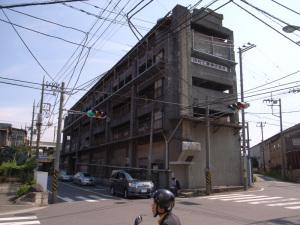 田村工業:Ricoh GR DIGITAL、5.9mm(28mm相当)、F3.5、1/930秒、ISO64、-0.3EV、プログラムAE