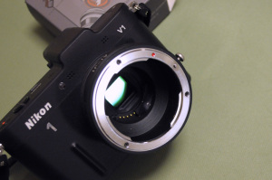 ロシア製CPUチップ付きNikon 1- Nikon Fマウントアダプター + Nikon 1 V1