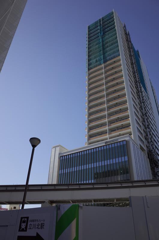 立川駅前(東京都立川市):Ricoh GR、18.3mm、F5.6、1/500秒、IISO100、プログラムAE、AWB、画像設定:スタンダード