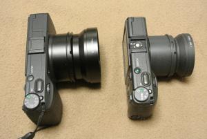 (左)リコーGR + GW-3 + GH-3、(右)リコーGR DIGITAL + GW-1 + GH-1