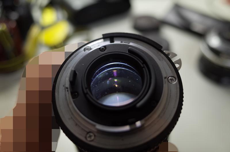 【写真下】Ai Nikkor 35mm F2S(曇っていないが、埃あり)