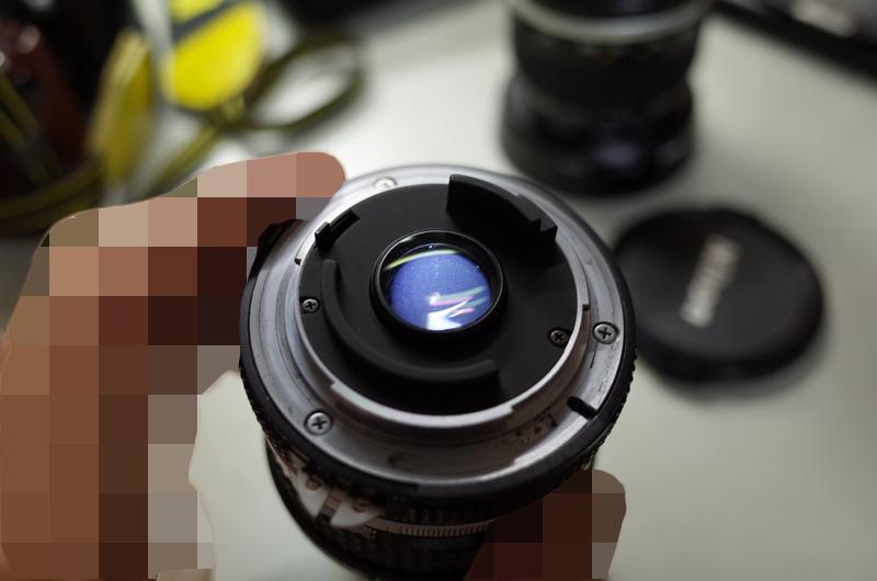 【写真上】曇ったAi Nikkor 20mm F2.8S(AI Nikkor 20mm f/2.8S)