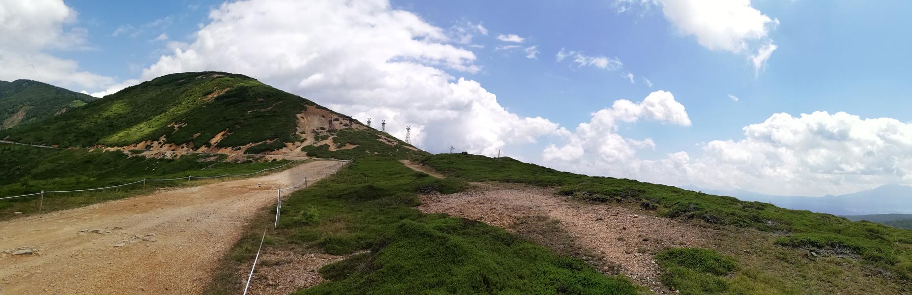 【写真2】毛無峠(小串硫黄鉱山遺構):HUAWEI P20 lite(ANE-LX2J)、3.81mm、プログラムAE、AWB、パノラマモード