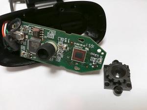 【写真5】logicool HD Webcam C270 レンズを外して撮像素子が見えている状態