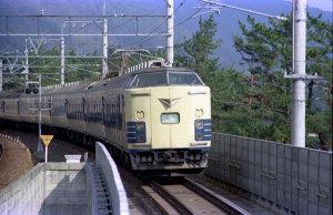 特急雷鳥国鉄583系寝台電車(1978年頃湖西線):Asahi Pentax SV、SMC Takumar 200mm F4、Sakuracolor II、絞りシャッタースピード不明、、Nikon SUPER COOLSCAN 5000ED。