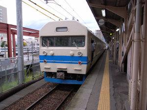 419系電車:GR DIGITAL、28mm相当、1/143sec、F3.5、ISO64、-0.3EV、プログラムAE