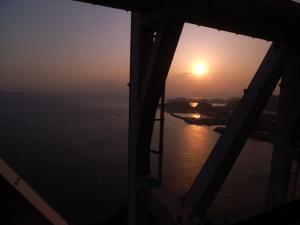 瀬戸大橋:GR DIGITAL、ワイコンGW-1使用、21mm相当、1/1000sec、F4.0、マニュアル露出、ISO100