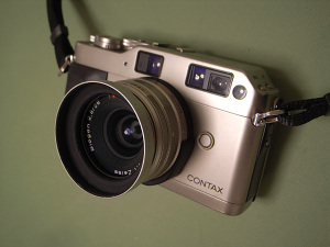CONTAX G1 + Carl Zeiss Biogon T* 28mm F2.8 + Metal Hood GG-1