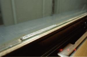 LE TRAIN(4158 E)車内(箱根ラリック美術館):Nikon F3、Ai Nikkor 28mm F2.8S、L37c、F4AE、Kodak PORTRA 800、Nikon SUPER COOLSCAN 5000 ED(ICEありGEMなしROCなし)