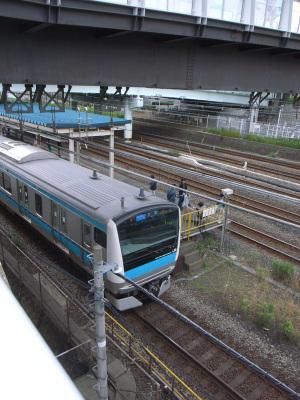 新子安駅(JR京浜東北線):Ricoh GR DIGITAL、F3.5、1/153秒、ISO64、-0.3EV、プログラムAE、AWB