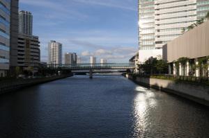 帷子川(横浜市西区):Nikon D300、、Ai Nikkor 20mm F2.8S、F8AE、-0.3EV、ISO200、マルチパターン測光、L37c、ピクチャーコントロール:ポートレート