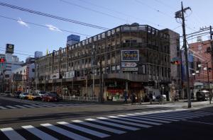 長者町八丁目共同ビル(横浜市中区):Ricoh GR、18.3mm、F5.6、1/250秒、プログラムAE、ISO-AUTO(ISO 100)、AWB、画像設定:スタンダード
