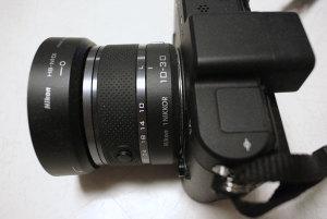 Nikon 1 V1 + 1 NIKKOR VR 10-30mm f/3.5-5.6 + バヨネットフード HB-N101