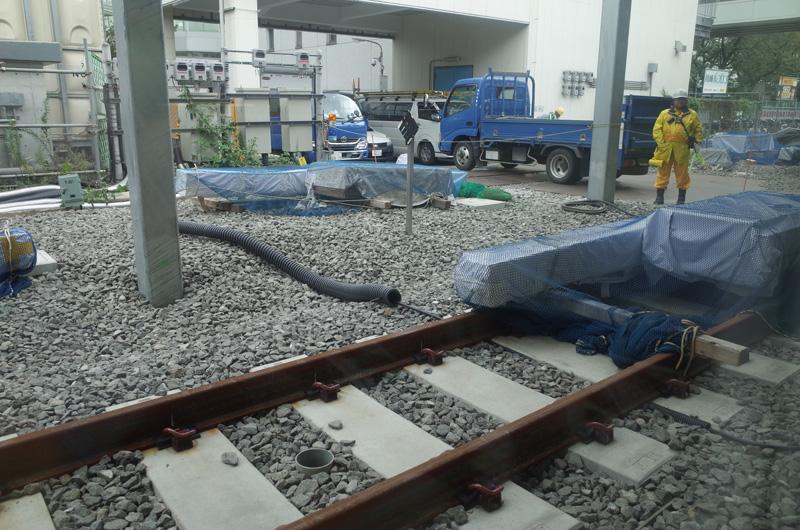 JR川崎駅:Ricoh GR、18.3mm(35mm版28mm相当)、F3.5、1/60秒、プログラムAE、ISO-AUTO(ISO 100)、AWB、画像設定:スタンダード、スポットAF