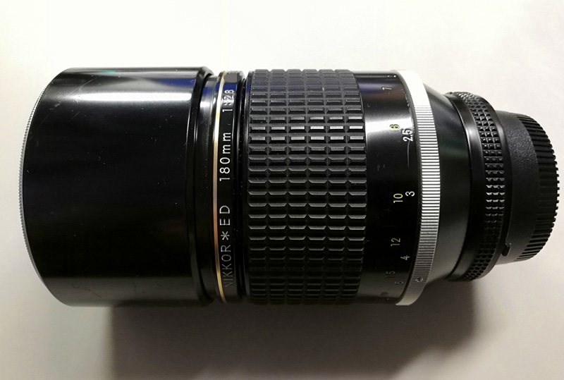 戴いたAi Nikkor ED 180mm F2.8S