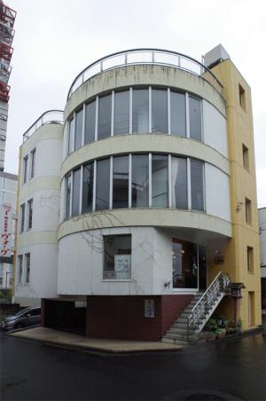 総合美容室ヴォーグ(茨城県水戸市):Ricoh GR、13.7mm(35mm版20mm相当)、ワイドコンバージョンレンズGW-3、F4.5、1/90秒、プログラムAE、ISO-AUTO(ISO 100)、AWB、画像設定:スタンダード、スポットAF中央1点